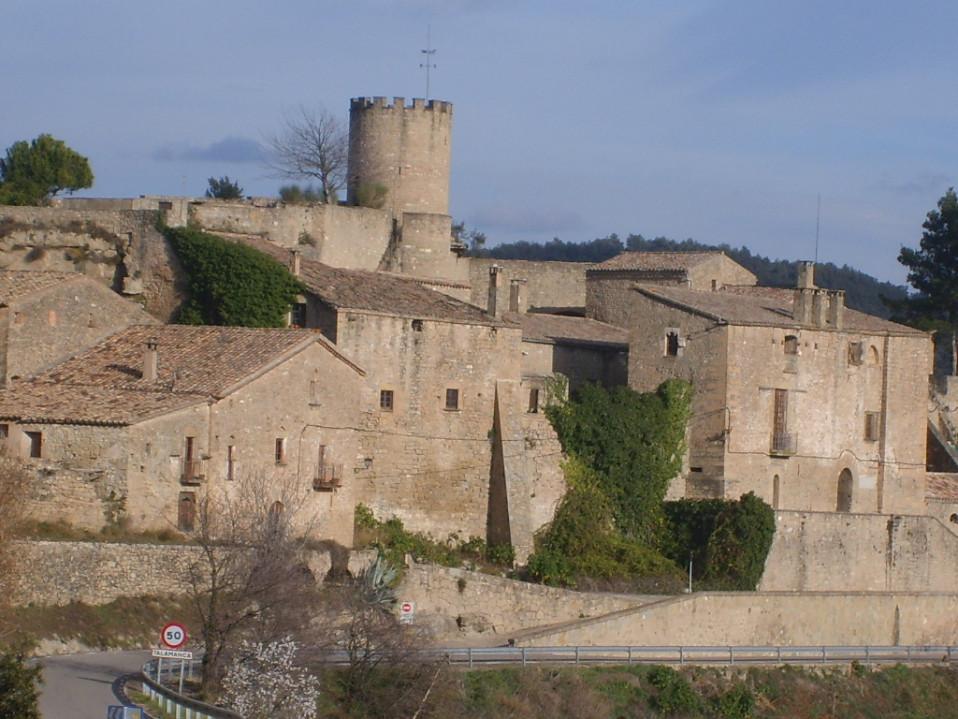 Exterior del castillo de Talamanca / Núria Pueyo