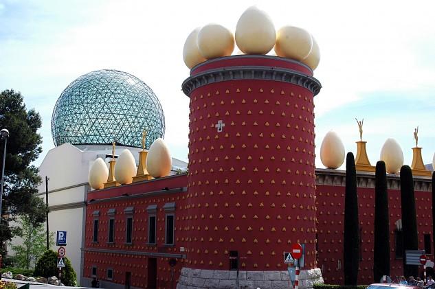 23 - La Torre Galatea del Museo de Salvador Dalí en Figueras, Cataluña. Andreevarf