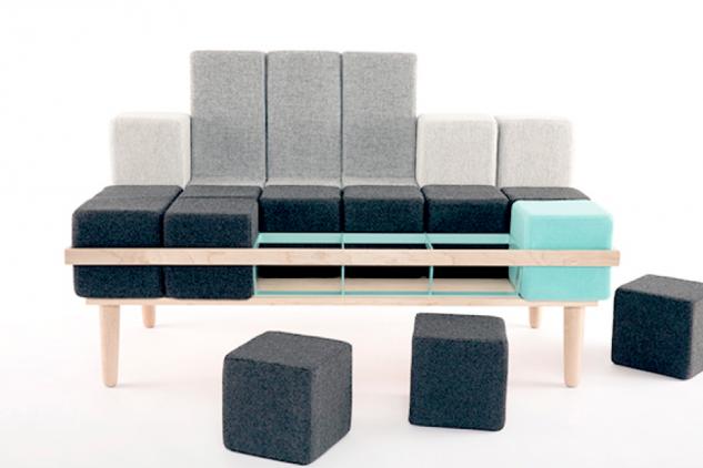 Un sofá, dos sillones, una cama…