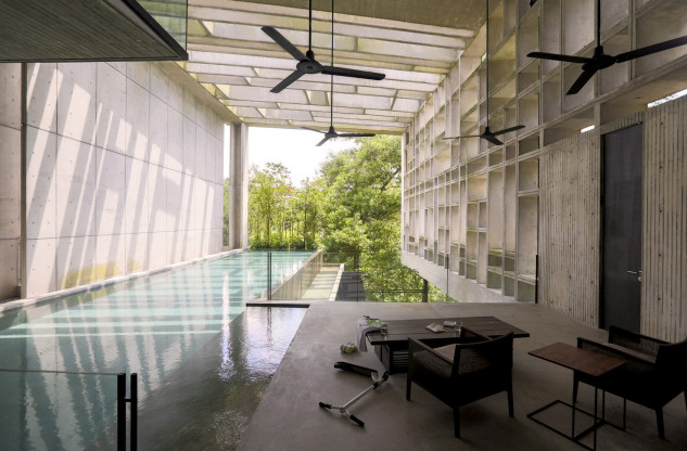 Casa Caja tropical / WHBC Architects / Kent Soh