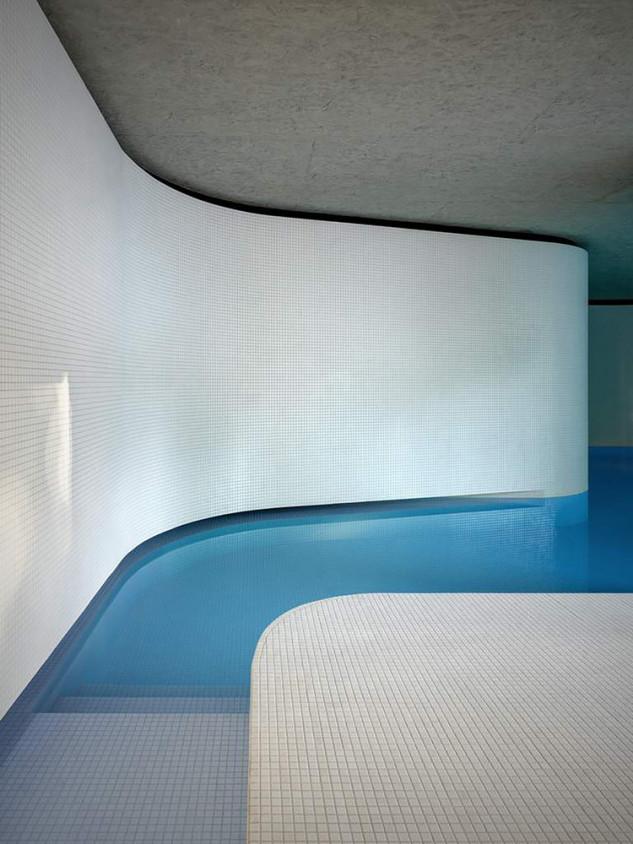 Roccolo's Swimming Pool / act_romegialli / Marcello Mariana