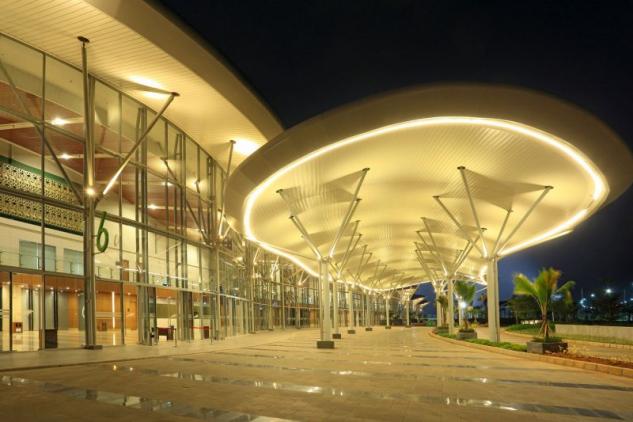 Es el mayor centro de convenciones indonesio