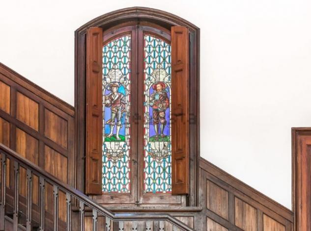 Los detalles arquitectónicos, presentes en todo el castillo