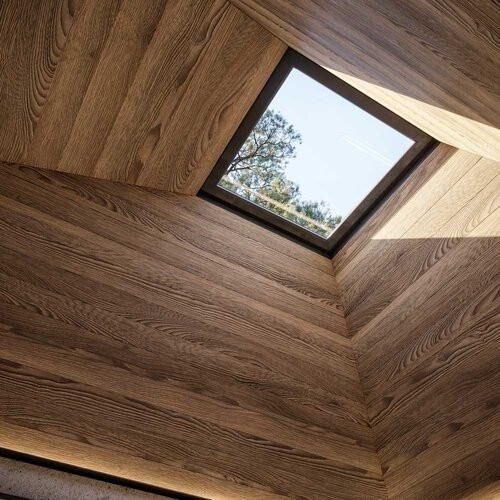 La luz natural y la madera, los imprescindibles del proyecto