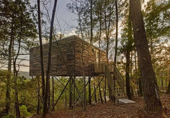 Otra de sus casas camuflada en la naturaleza / Addomo