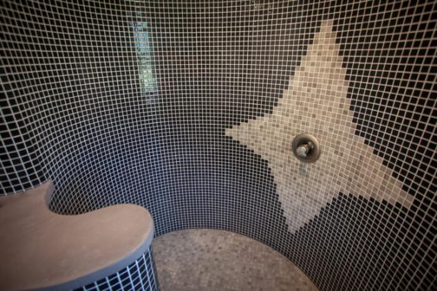Un mosaico en las paredes