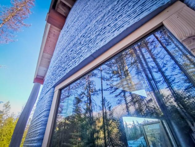 Un gran ventanal para potenciar la luz natural