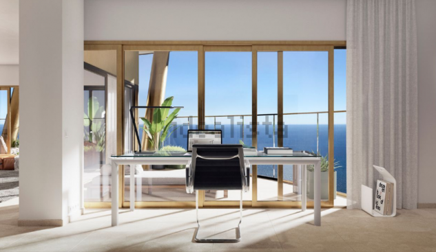 Un despacho con vistas al Mediterráneo