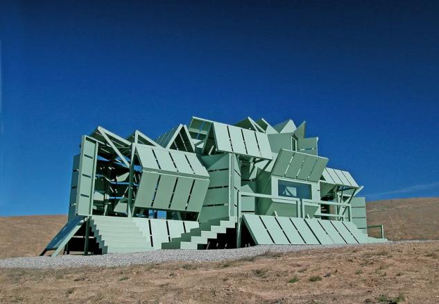 Diseñada como una casa de vacaciones para dos personas