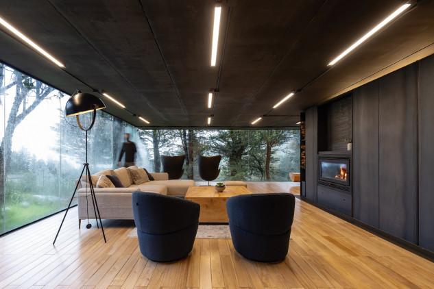 Grandes ventanales / RAMA Studio