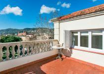 Imagen 1 - Así es la casa donde vivió Johan Cruyff y que está a la venta en idealista