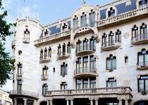 Imagen 2 - Domènech i Montaner: el modernismo catalán más allá de Gaudí en estas bonitas obras