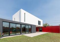 Imagen 2 - Puro reciclaje: 10 ejemplos de casas y oficinas construidas con contenedores marítimos