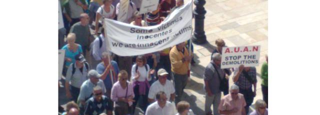 manifestación contra los derribos de viviendas ilegales en andalucía