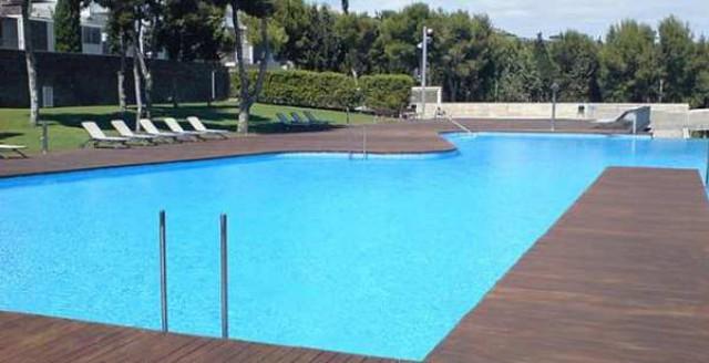llega el momento de poner a punto la piscina comunitaria