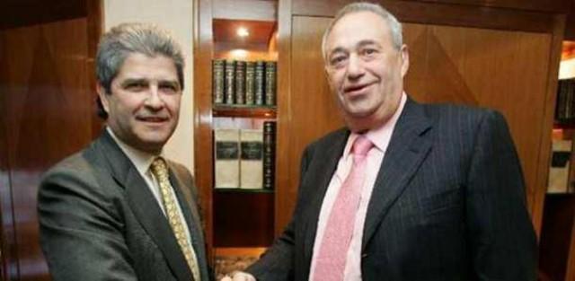 foto oficial de archivo del acuerdo entre martín y jove