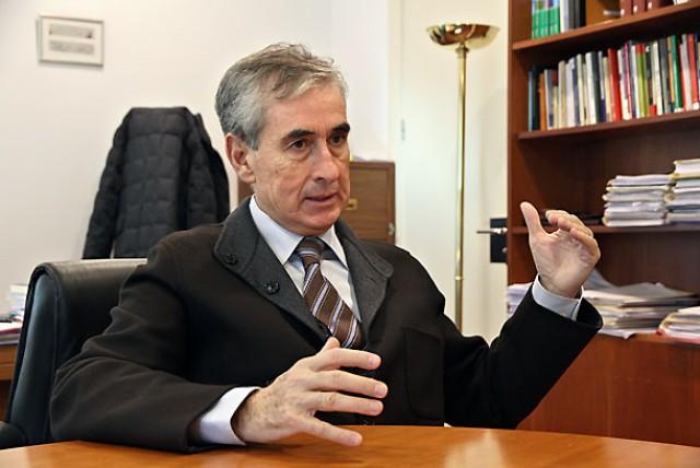 ramón jáuregui, diputado socialista y ex ministro de la presidencia con zapatero
