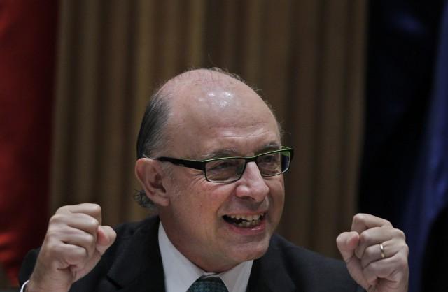 el ministro montoro ha probado en sus propias carnes lo supone el embargo de una vivienda. foto: gtres
