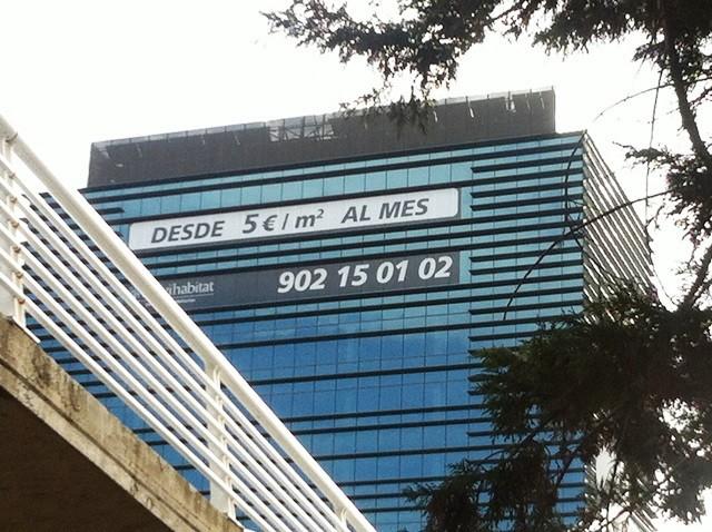la caixa intenta alquilar lo antes posible las 12 plantas del edificio heredado de banca cívica