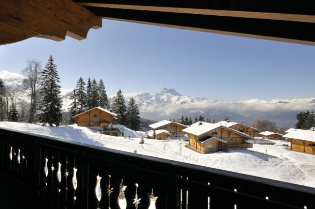 Vista desde la terraza del hotel en los Alpes