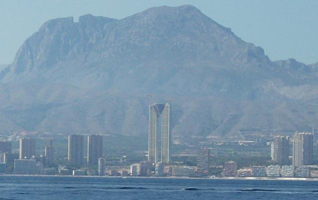 sareb cerca de adjudicarse el rascacielos de benidorm el segundo edificio residencial ms alto de europa u