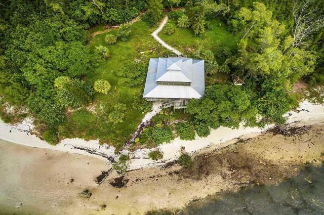 Jewfish Key off the coast of Sarasota. Private Islands Online