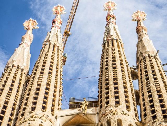 Las torres de la Sagrada Familia y sus pináculos. Fuente: pixabay