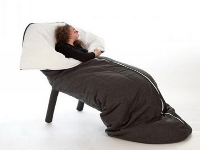 Silla con saco de dormir