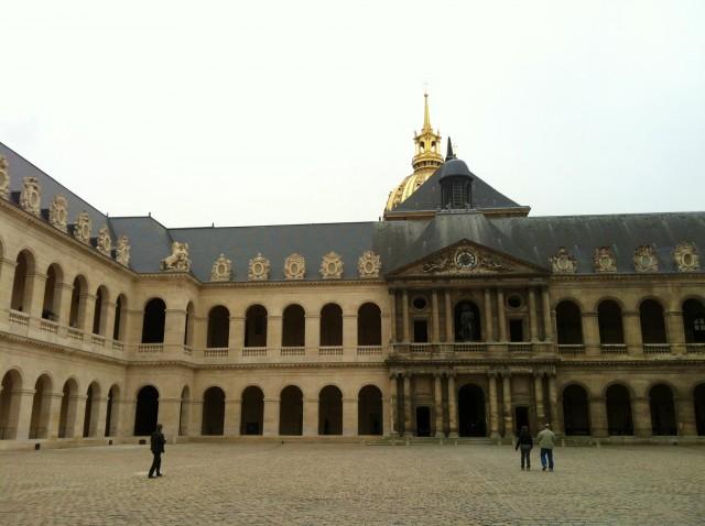 Tumba de Napoleón en el Palacio de Los Inválidos de París (Francia)
