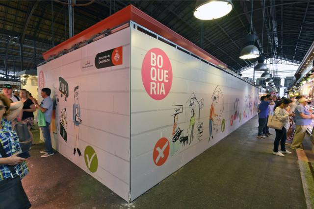 Isla de paradas en desuso que compró el Ayuntamiento para ganar espacio / Ajuntament de Barcelona