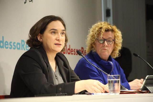 Ada Colau protagonizó ayer la conferencia 'la alcaldesa responde', organizada por el Col·legi de Periodistes de Catalunya