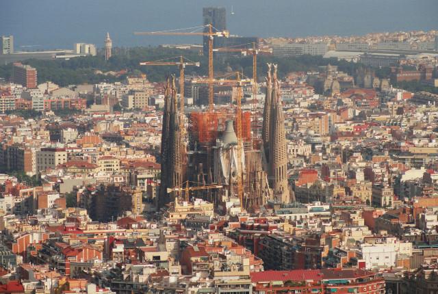 La falta de producto podría agraviar la dificultad de acceso a la vivienda en ciudades como Barcelona. / pxhere.com