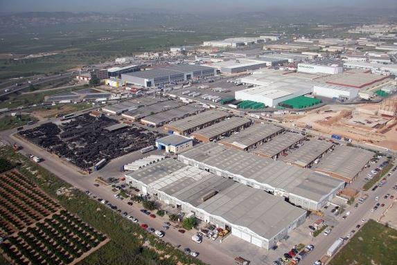 Polígono industrial El Oliveral, en Ribarroja, donde queda el 38% de espacio logístico vacante en Valencia / Google Maps
