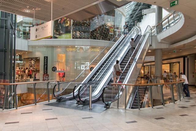 Escaleras mecánicas de un centro comercial