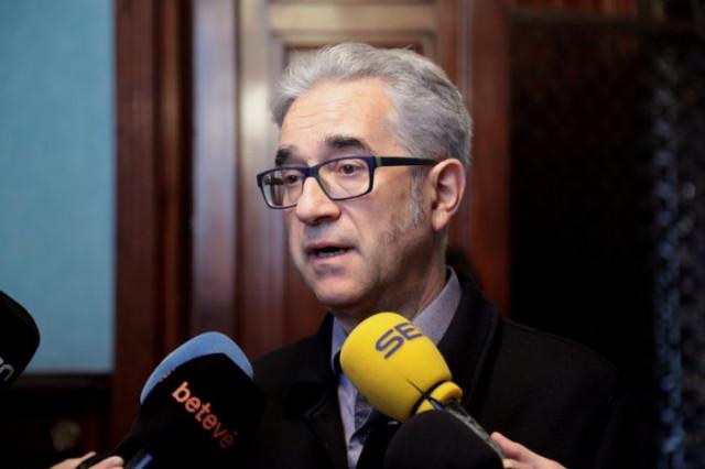 El regidor de Vivienda, Josep Maria Montaner, en su comparecencia con la prensa / Ajuntament de Barcelona