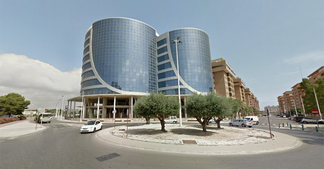 Fachada del edificio comprado en Valencia por Syllabus, filial de Urbania