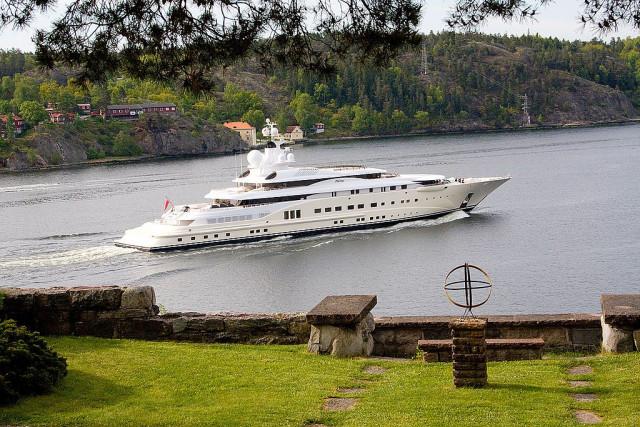 El Perolus es propiedad de Roman Abramovich y tiene una longitud de 115 metros. Su precio es de 267 millones de euros