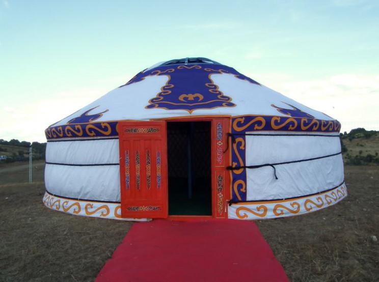 Yurta de 50 m2 desde 6.750 euros / Tipiwakan