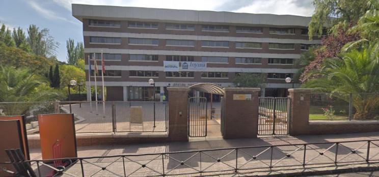 Exterior de la antigua sede de Tráfico en el número 125 de la calle Arturo Soria / Google Maps