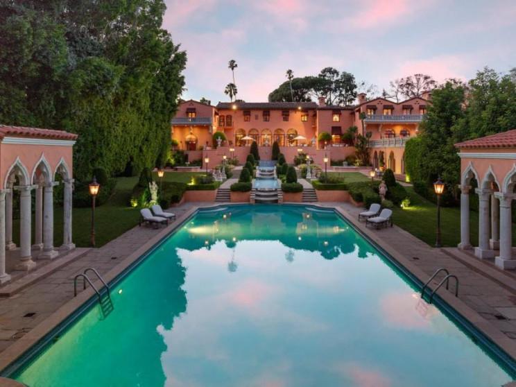 Una de las mansiones más famosas de Beverly Hills / Jade Mills/Coldwell Banker Residential Brokerage