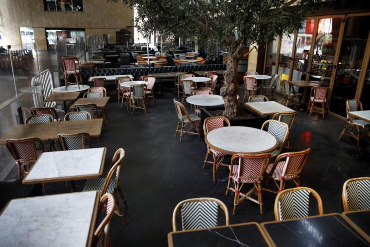 Imagen de un local de hostelería sin gente por la crisis del covid-19. / Gtres