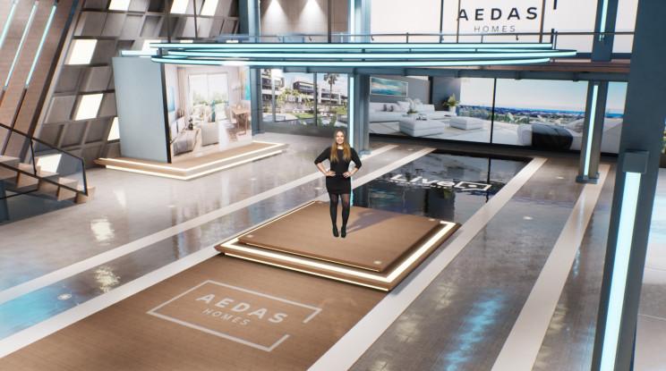 Presentadora de Aedas 'Live' en el plató de televisión.
