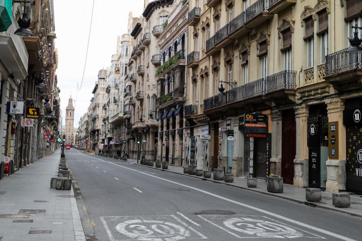 Imagen de una calle de Valencia durante el confinamiento / Gtres