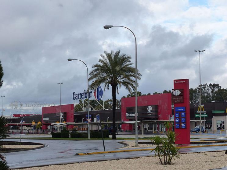 Imagen de un Carrefour en Sevilla / Benjamín Núñez González / Wikimedia commons