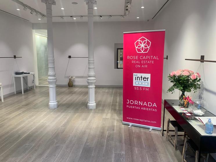 Interior del local / Rose capital