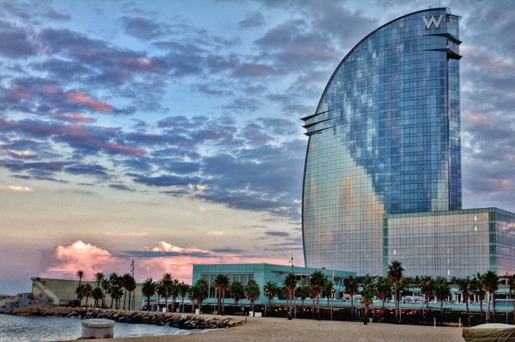 Hotel W de Marriot en Barcelona / Wikimedia commons
