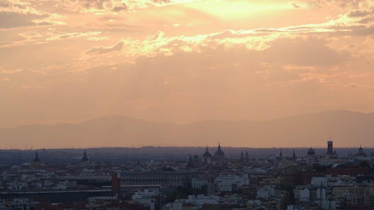 Capa de contaminación en Madrid / Wikimedia commons