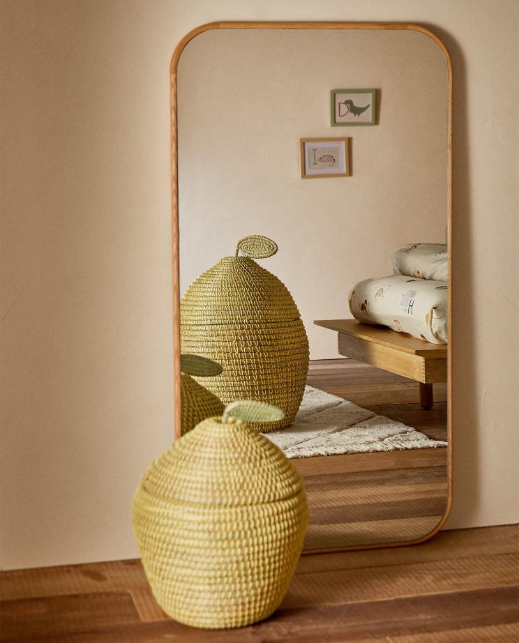 Cesta para almacenaje con forma de limón de Zara Home (39,99 euros) / Zara Home