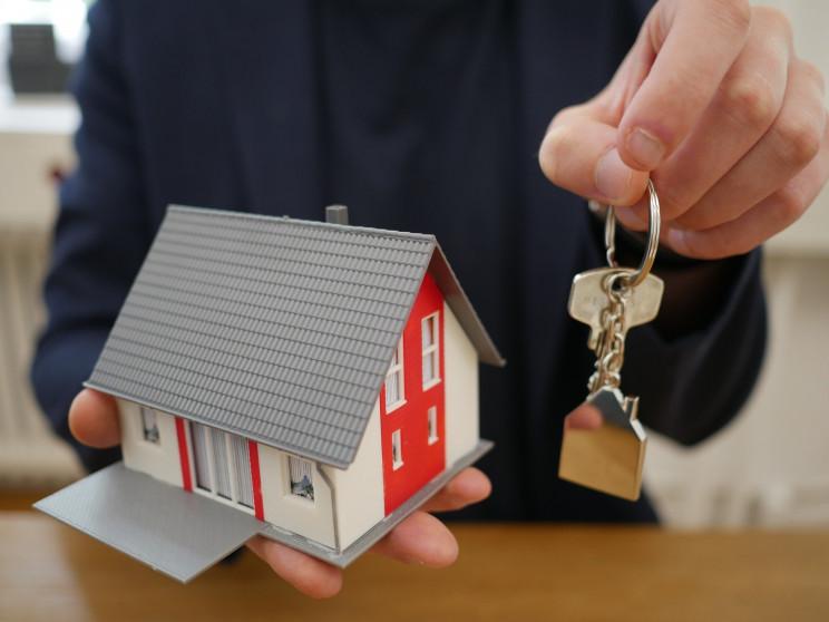 Los contratos de alquiler duran menos por la caída de los precios