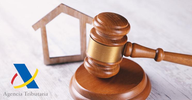 Ojo con pagar una parte de la compra de una vivienda en negro: Hacienda lo revisará y multará